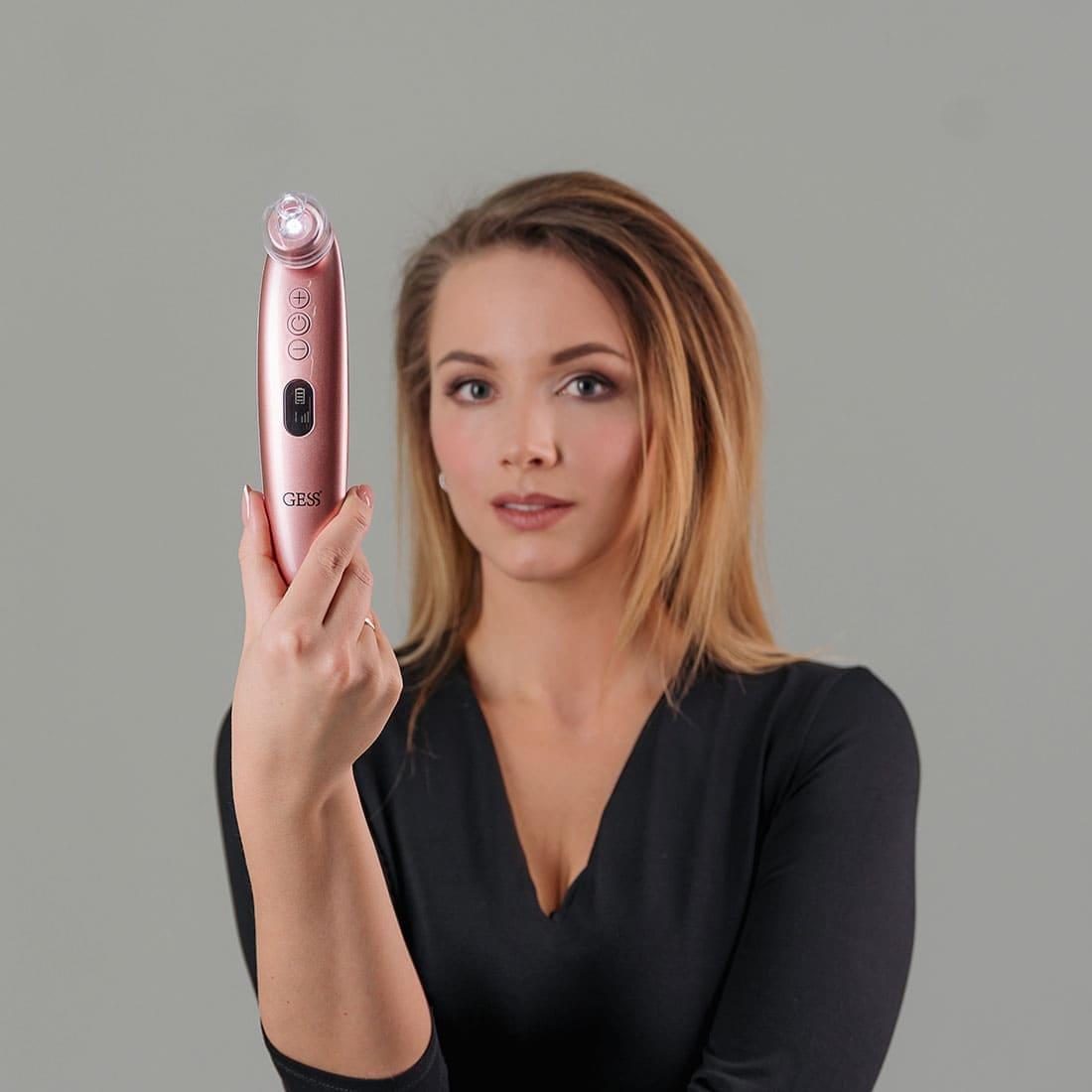 Sleek прибор для вакуумной чистки и микродермабразии лица с микрокамерой и приложением